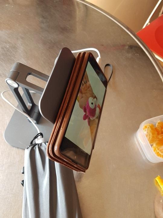 Giá đỡ điện thoại, máy tính bảng Yoobao B3L
